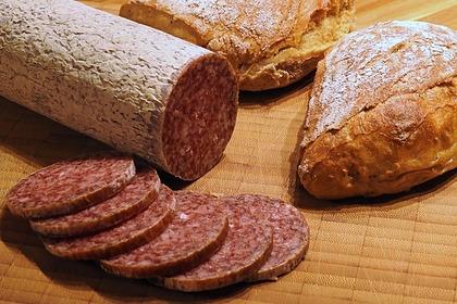 Россиянам раскрыли правила выбора хорошей колбасы