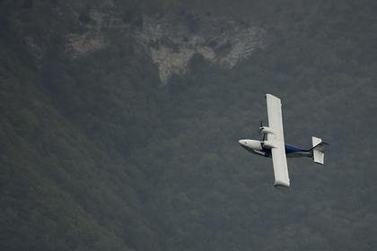 Восемь человек погибли при столкновении двух самолетов