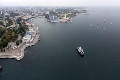 Названы российские курорты с самым теплым морем