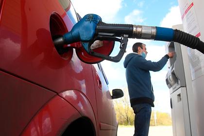 Цены на бензин в России защитили от снижения