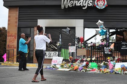 Мэр американского города обвинила протестующих в убийстве 8-летней девочки