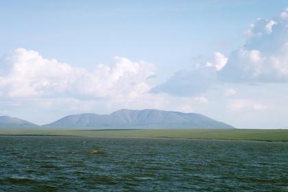 У подножия древнего потухшего вулкана на Чукотке появилась турбаза