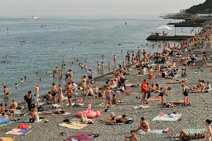 Названы главные раздражители туристов Крыма и Сочи
