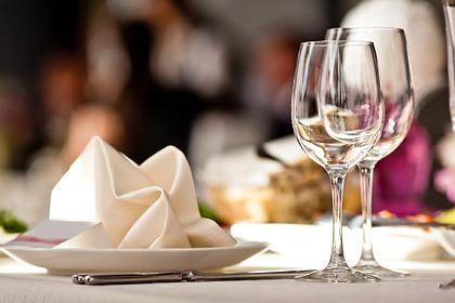 Официантка раскрыла траты известных гостей VIP-ресторанов Москвы