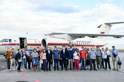 Российские врачи прибыли в Казахстан бороться с коронавирусом