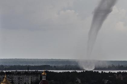 Россиян предупредили об угрозе смерчей и засухи