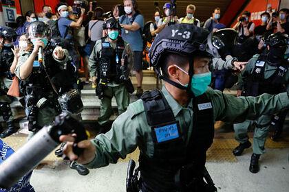 Полиции Гонконга разрешили проводить обыски без ордера