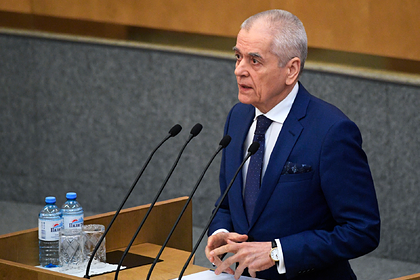 Онищенко назвал сроки возвращения коронавируса в Россию