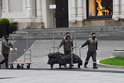 Половина мигрантов в России потеряла весь доход в кризис