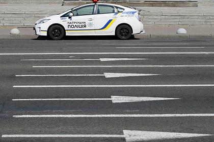 Украина выдворила двух задержанных россиян
