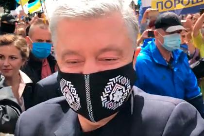 Порошенко разбил камеру журналистов
