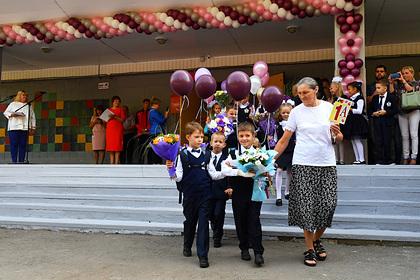 Российских школьников оставили без линеек 1 сентября