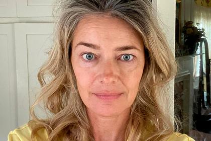 Модель снялась без макияжа на 55-летие и призналась в страхе перед старостью