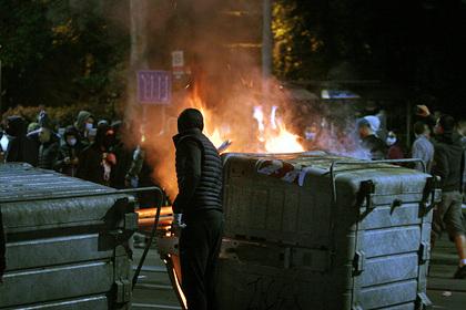 Вучич обвинил иностранные спецслужбы в протестах в Белграде