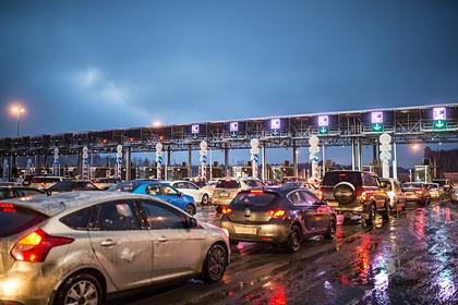 В ГИБДД оценили идею поднять скоростной лимит на платных трассах