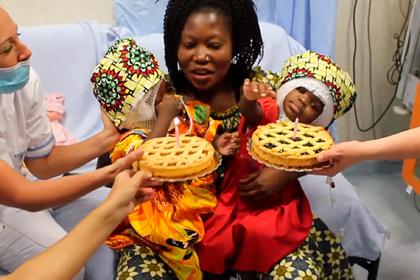 Сросшихся головами сестер разделили в ходе сложнейшей операции