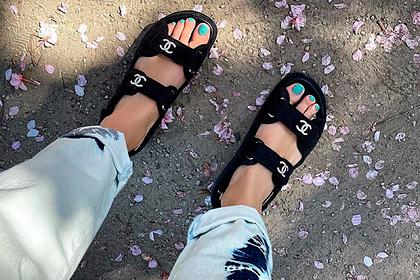 «Отцовские» сандалии на липучках стали новым модным трендом