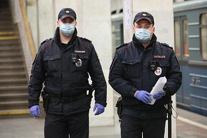 Московским полицейским подняли зарплаты