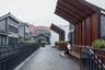 """Специалисты из Lab D + H отреставрировали один из кварталов Старого города в китайском Гуанчжоу. Район <a href=""""http://landezine-award.com/yongqing-fang-alleyways:an-urban-transformation/"""" target=""""_blank"""">Юнцин Фан</a> (Yongqing Fang) в старину был ключевым местом для переговоров между Восточным и Западным Китаем, однако спустя годы утратил свое величие. За его трансформацию проект удостоился специального упоминания в конкурсе."""