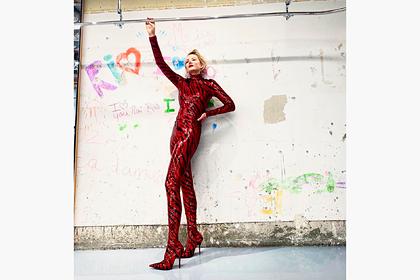 Рената Литвинова в облегающем наряде грузинского дизайнера восхитила фанатов