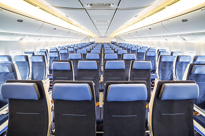 Раскрыта опасность откидывания спинки кресла в самолете