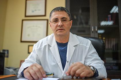 Доктор Мясников заявил о раздражении от «железного занавеса» из-за коронавируса