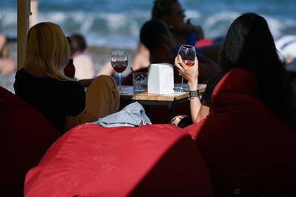 Россияне перешли с водки на вино
