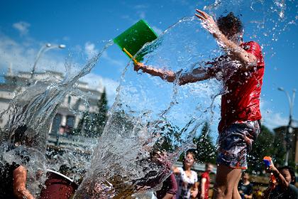 Российский врач раскрыл правила закаливания холодной водой