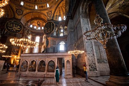 Собор Святой Софии превратился в мечеть