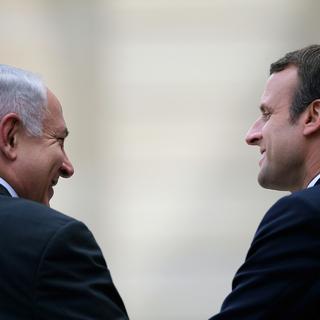 Биньямин Нетаньяху и Эммануэль Макрон