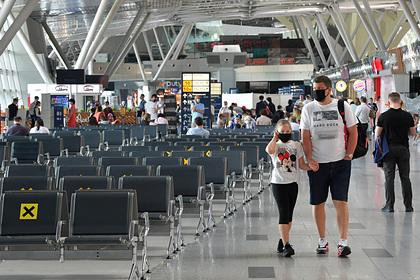 Власти Подмосковья доставили домой 32 тысячи прилетевших из-за рубежа россиян