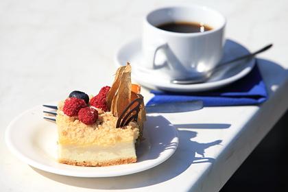 Россиянам назвали опасность кофе в жару