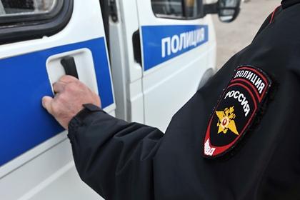 Российский полицейский поймал выбросившуюся из окна пенсионерку
