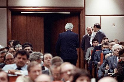 Сокуров срежиссировал заявление Ельцина о выходе из КПСС