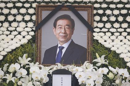Секретарша умершего мэра Сеула снова обвинила его в сексуальных домогательствах