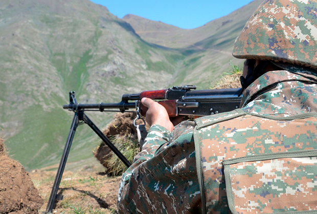 12 июля около 12:30 военнослужащие ВС Азербайджана на автомобиле УАЗ совершили попытку пересечения государственной границы Республики Армении в направлении Тавуша. После предупреждения армянской стороны азербайджанские военнослужащие, покинув автомобиль УАЗ, вернулись на свои позиции.