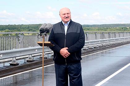 Лукашенко посоветовал лечить коронавирус медом