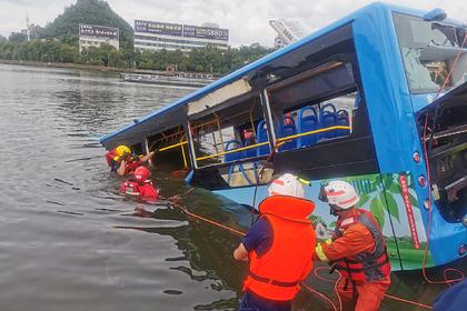 Раскрыта причина падения автобуса со школьниками в водохранилище