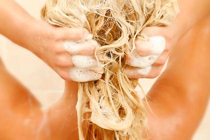 Эксперты определили правильную частоту мытья головы