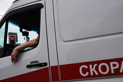 Автомобиль насмерть переехал заснувшую посреди дороги россиянку