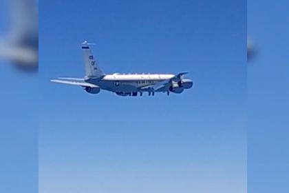 Перехват самолета-разведчика НАТО у границ России показали на видео