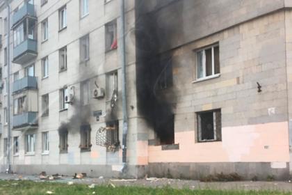 В учебном заведении Петербурга произошел взрыв и пожар