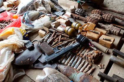Полиция показала полный черепов и оружия гараж задержанного спецназом россиянина