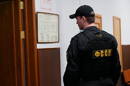 В Москве мигрант избивал и заставлял есть из мусорки 5-летнего пасынка