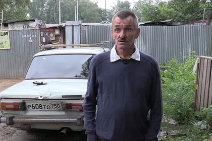 Россиянина выселили из квартиры в машину