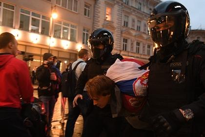 Полиция назвала число задержанных на акции в центре Москвы