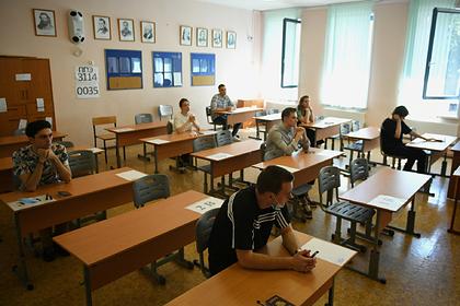 Более 42 тысяч выпускников Москвы сдали ЕГЭ по обществознанию и химии