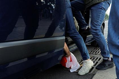 В Белоруссии журналисту сломали нос при задержании