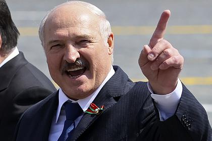Лукашенко пообещал белорусам решить трудности