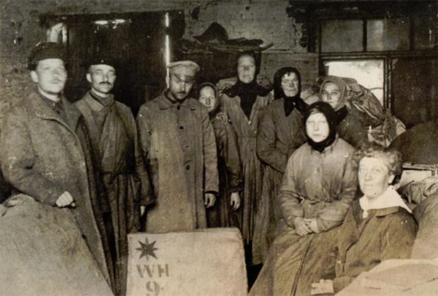 На квакерском складе в Москве. 1920-1921 годы